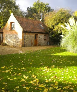 Charming converted barn, Norfolk - House