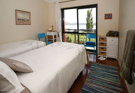 Bay View Room-WHY Retreat - Whangarei Heads - Bed & Breakfast
