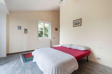 Doubleroom with bath at lake Nemi near Rome - Villa