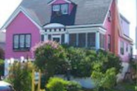 The Chesapeake Suite - Hampton ( Buckroe Beach ) - Bed & Breakfast