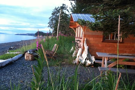 Between Beaches Cannery Cabin - Cabin