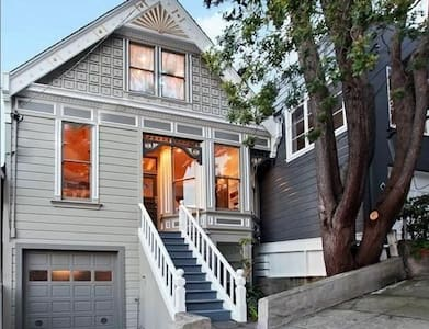 Beautiful Victorian: Bed/Bath  - San Francisco - House