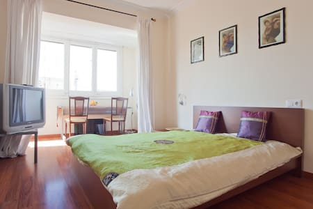 BIG Room in Penthouse Eixample #3