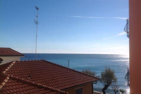 Il tuo alloggio in Riva al mare  - Apartmen