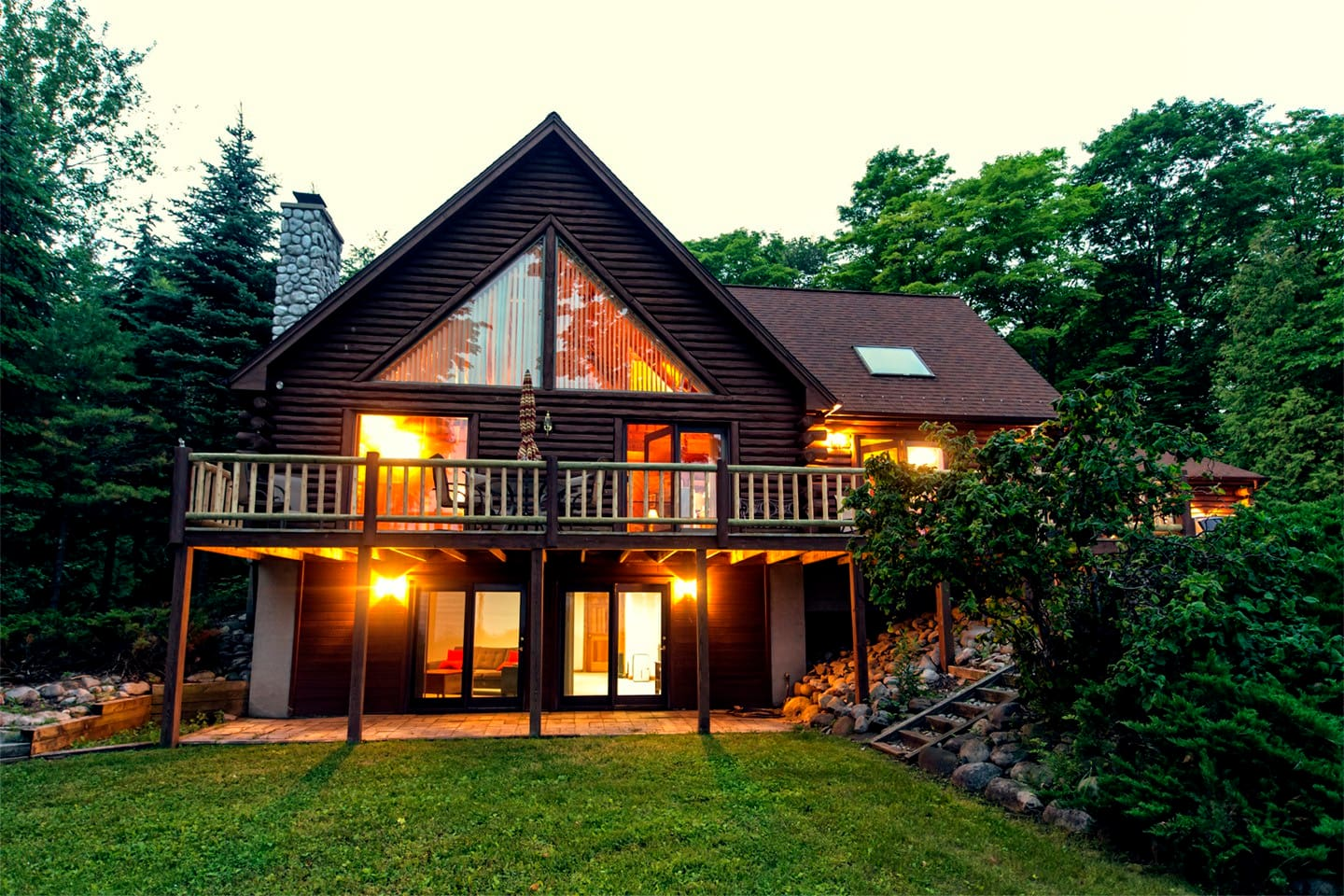 Beautiful log cabin on the bay houses for rent in for Rent house for a night