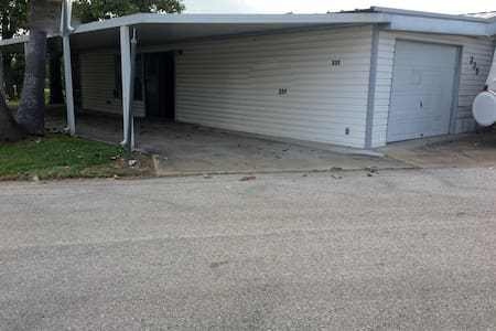 WF335--2/2 Trailer with Extras! - San Benito