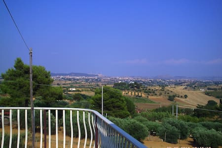 "casa vacanze "" villa francy "" - Caltagirone - Huvila"