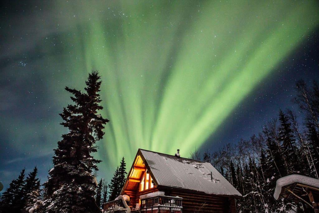 Aurora borealis (photo credit E. York, Airbnb guest Jan 2016)