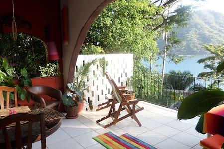 A casa to love. Location & comfort! - Talo