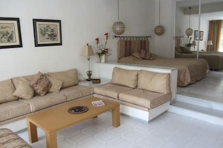 Luxury accomodation for 2, at Miraflores Resort. - Appartement en résidence