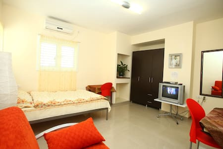 Studio apartment. close to Tel Aviv - アパート