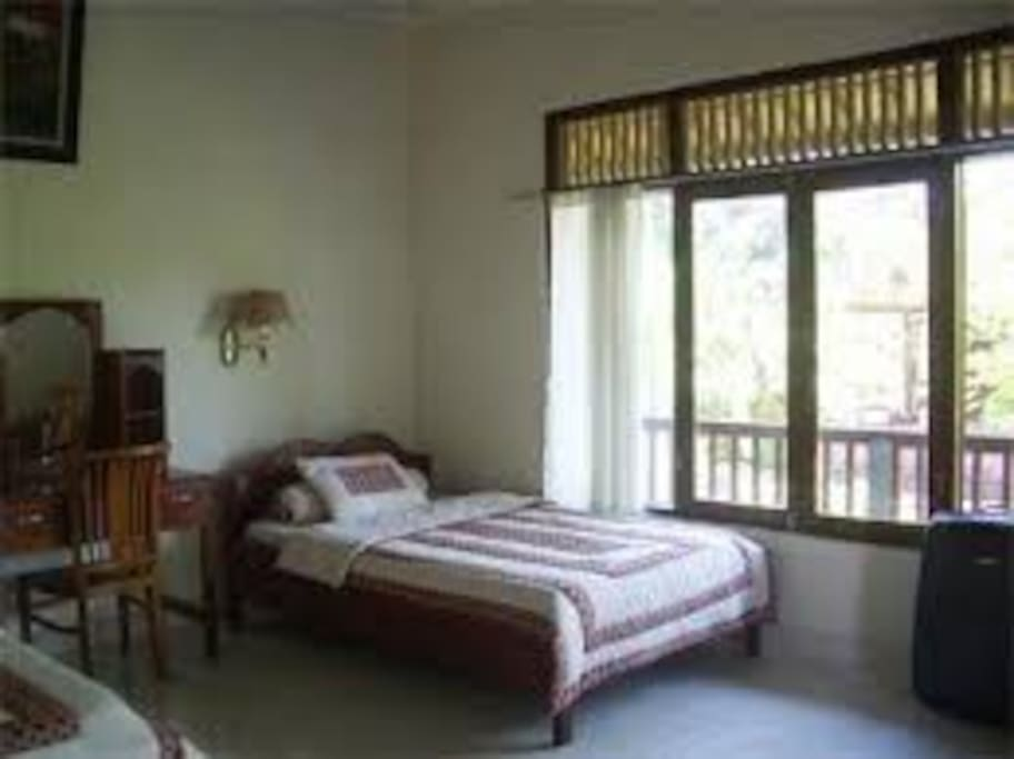 Double Bed (Indraprastha Homestay)