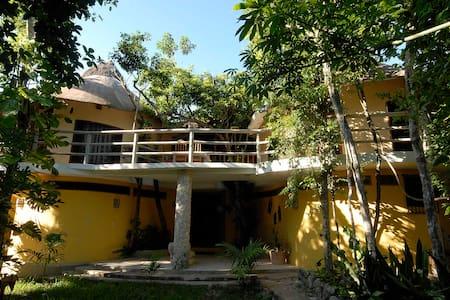 TreeHouse La Selva - Playa del Carmen - Bed & Breakfast