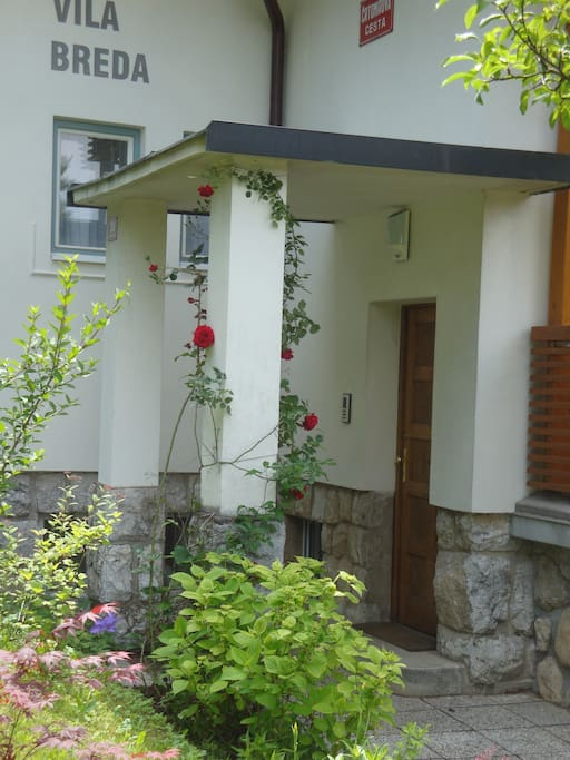A fairytale villa in Bled center 2