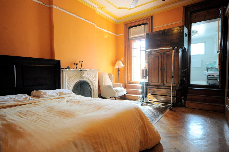 Room with En Suite Bathroom & Deck