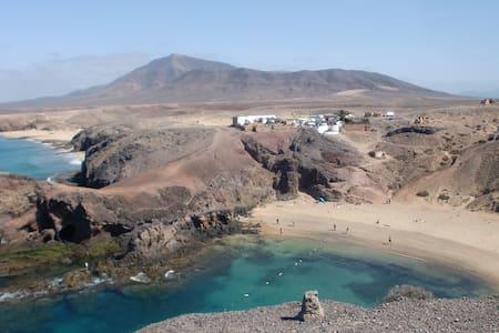 B&B in een huis met zwembad (1) - Playa Blanca