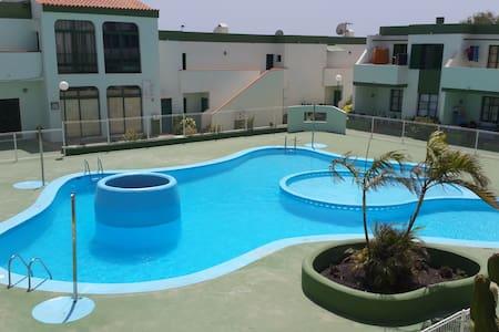 Apartament clean, calm, wiffi, pool - Lejlighed