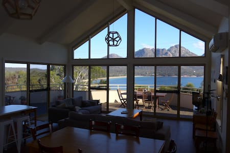 The Beach House Freycinet - Rumah