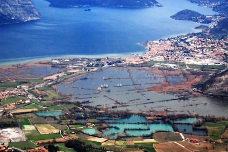 Vacanze Lago d'Iseo e Franciacorta - Leilighet