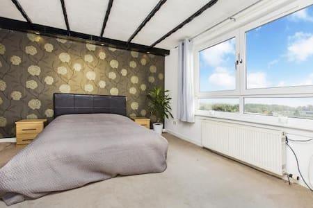 The 'Three Bridges' Apartment - Dunfermline - Apartamento