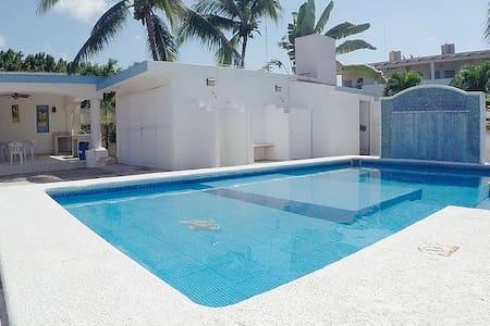 Casa completa a una cuadra de la playa