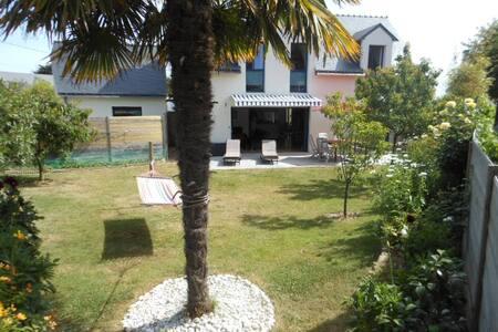 villa tout confort, jardin plein sud - Arzon - Villa