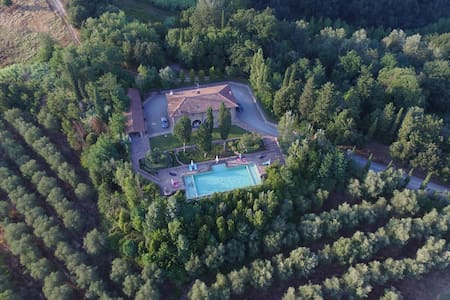 Beautiful 8 bedroom Villa with pool near Montaione - Montaione