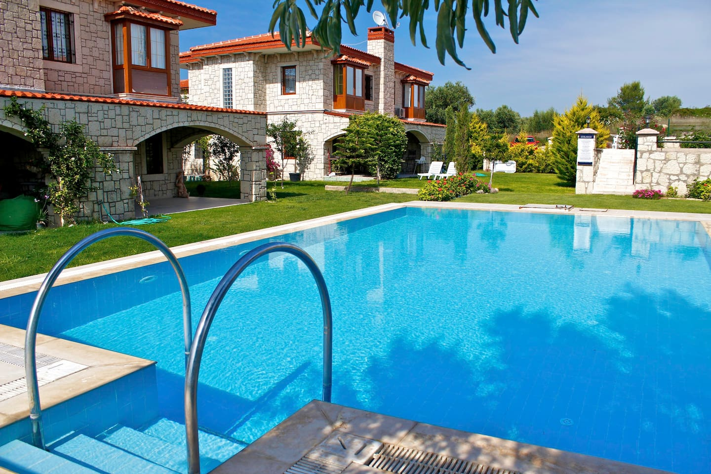 Superb Stone Villa in Alacati