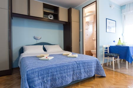 Bed & Breakfast Room (studio blue) - Krk - Bed & Breakfast