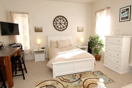 Charming lodge on the downtown mall - Aspen - Bed & Breakfast