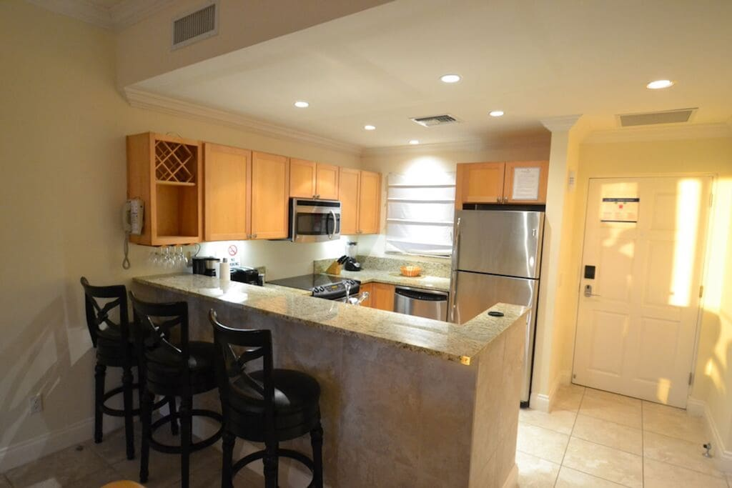 Modern, large, fully equipped kitchen