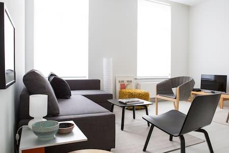 Généreux appartement Centre Dansaert/Ste Catherine - Bruxelles - Lakás