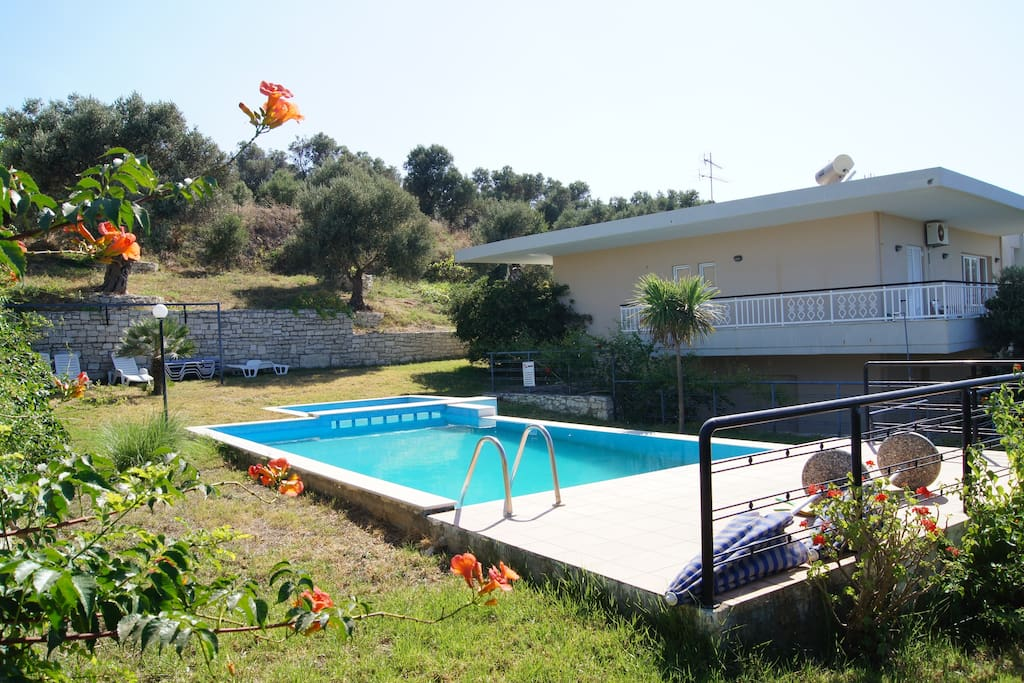 10x4 meters pool 1.80 deep, olive grove in the property and a 2000 sq. meter garden