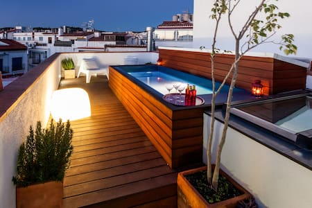 2 Story House - Pool & Terraces