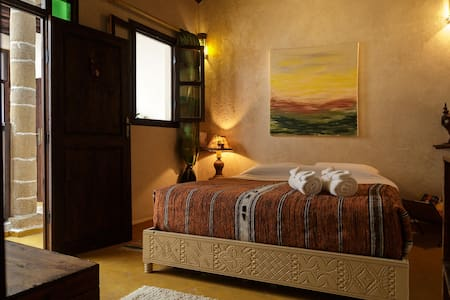"Dar Sabon ""Cedarwood"" room - Bed & Breakfast"