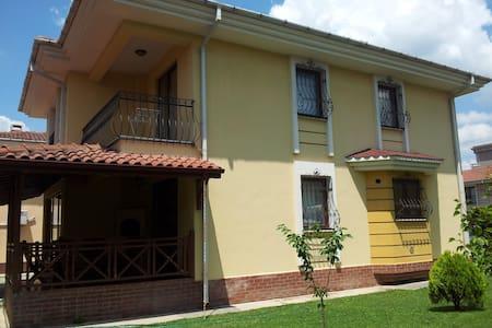 Nice Villa in Izmit, Kocaeli - İzmit - Casa