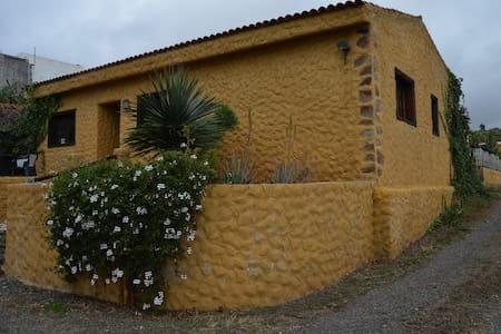Casa rural en Arafo con piscina - Arafo - Casa