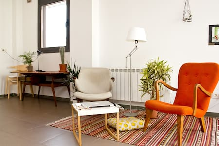 lightful apartment in poblenou'