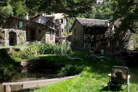 Water Mill and its house(s) - Ev