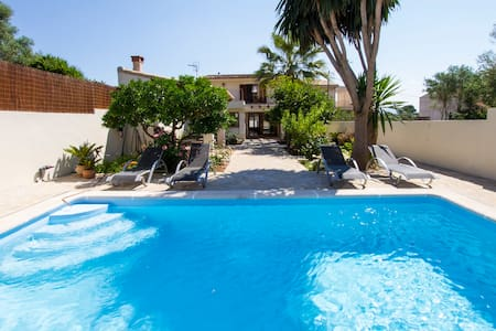 Riannie - 3 Bedrooms , Private Swimming pool - House