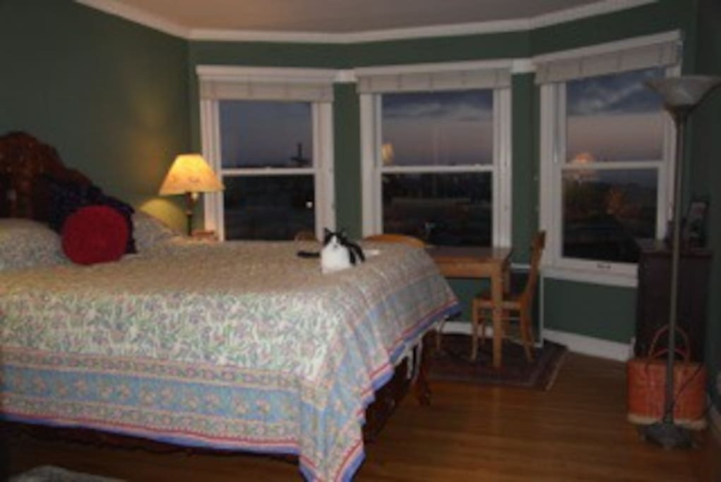 Master bedroom, King sized, Tempur Pedic mattress.  You can see the Farallon islands on a clear day!