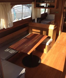 Open Floorplan Charming Motor Yacht