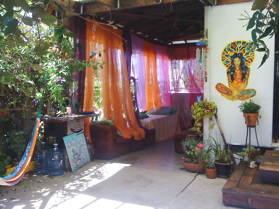 Patio / Massage table / Goddess mural