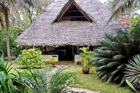 Simba Cottage in Shambani - Diani Beach - Ház