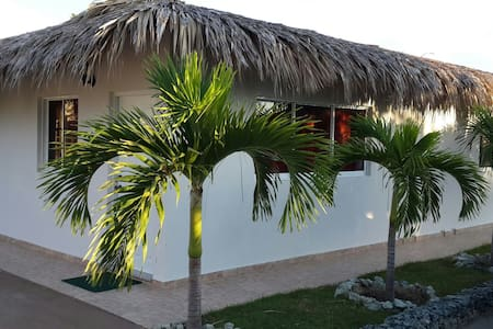 Villa doble vistas golf. Playa 1min