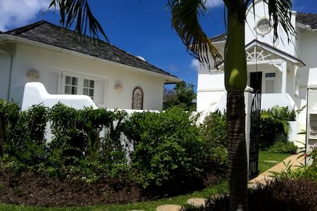 3 Bdrm Beautifully designed St James house. - Holetown