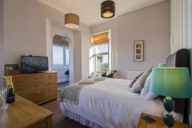 180° sea views from The Schooner Room above The Buccaneer Inn, Babbacombe, Torquay