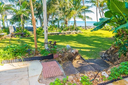 BEACHFRONT B&B(Whole house pricing) - Slade Point - House