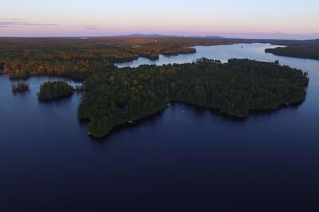Loon Sound Lake House, Surry, near Acadia Nat. Pk. - Maison