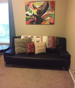 Cozy Room with Futon - Bluffton - Haus